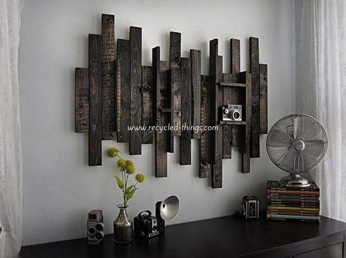DIY Wooden Pallet Wall Decor