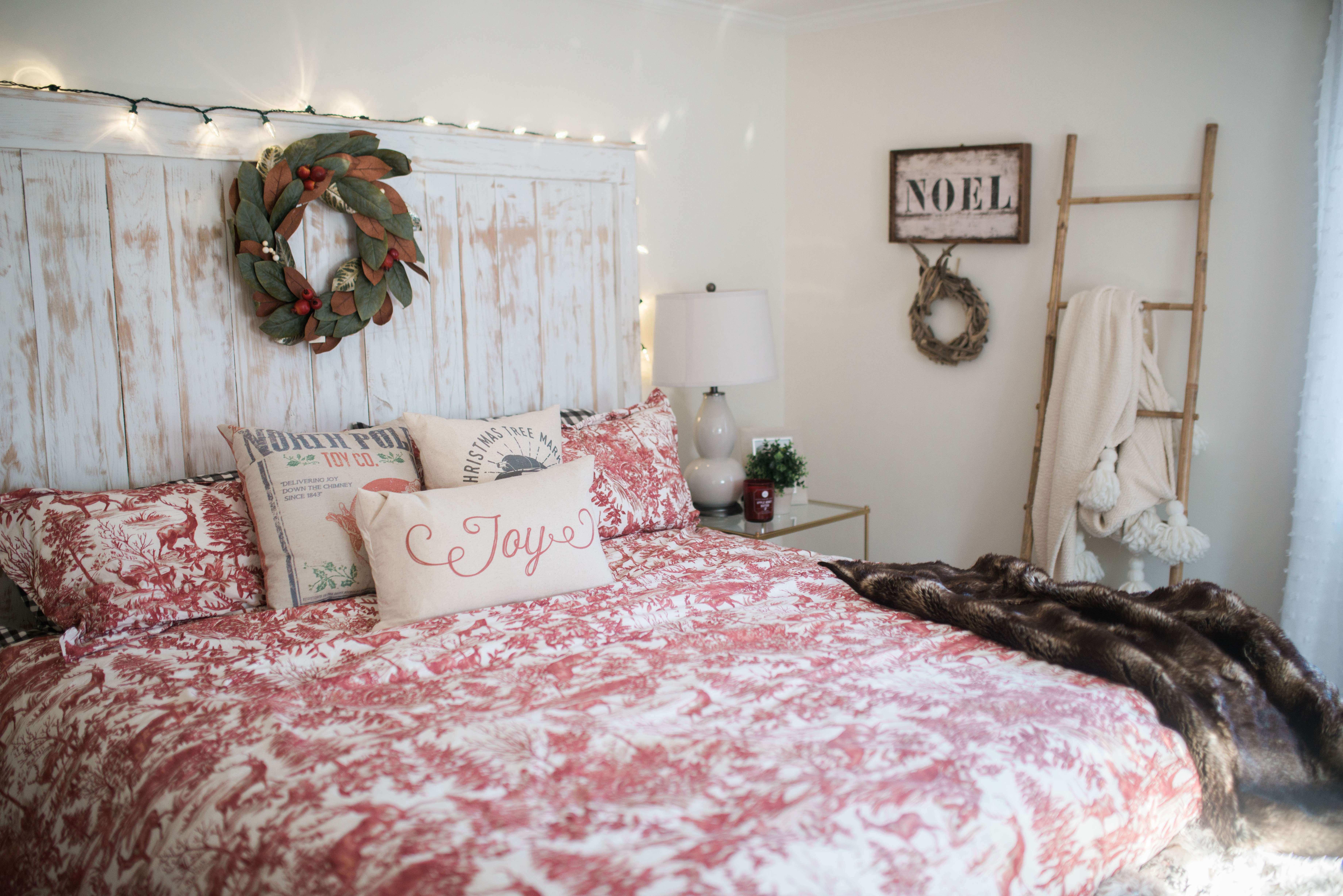 Bedroom Wall Decor Ideas Lovely Our Bedroom Holiday Decor Bedroom Wall Decorations