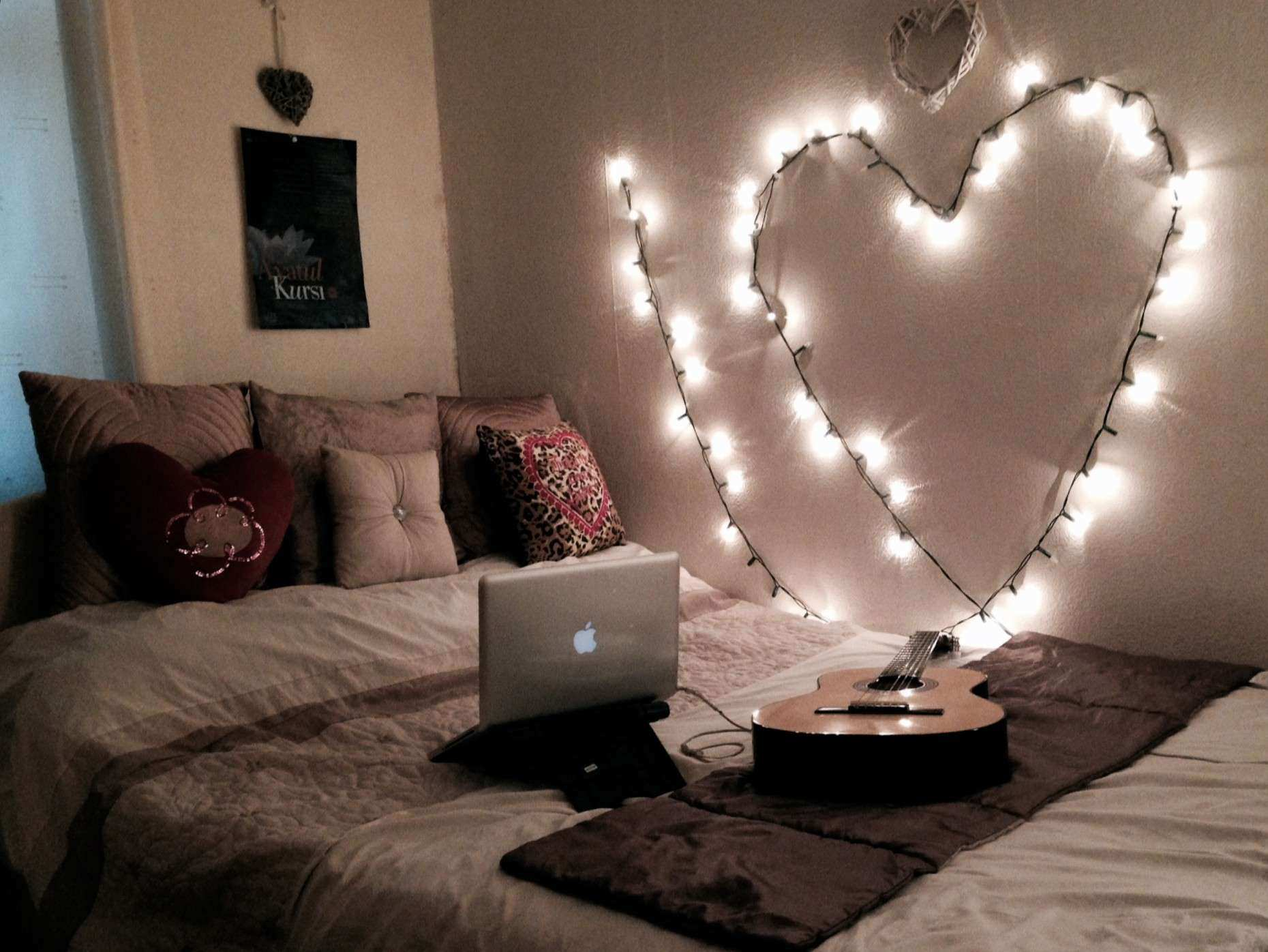 Best Way To Put Pictures On A Wall Elegant Glamorous How To Hang - Christmas lights on bedroom wall