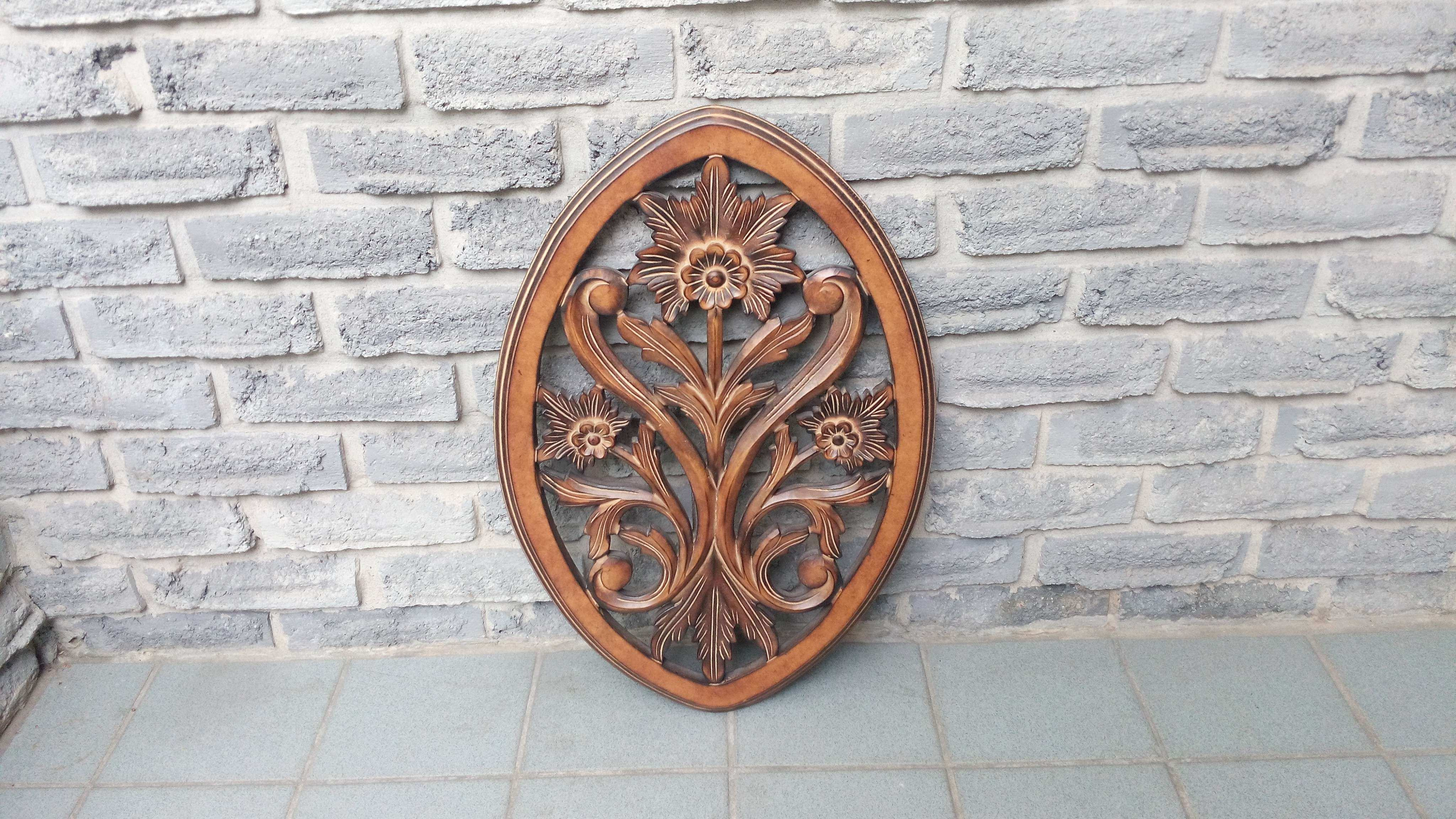WOOD CARVED WALL HANGING DECOR Secondhand Pursuit