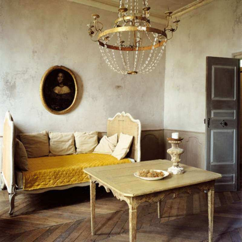 Rustic Country Living Room Layout Guidelines