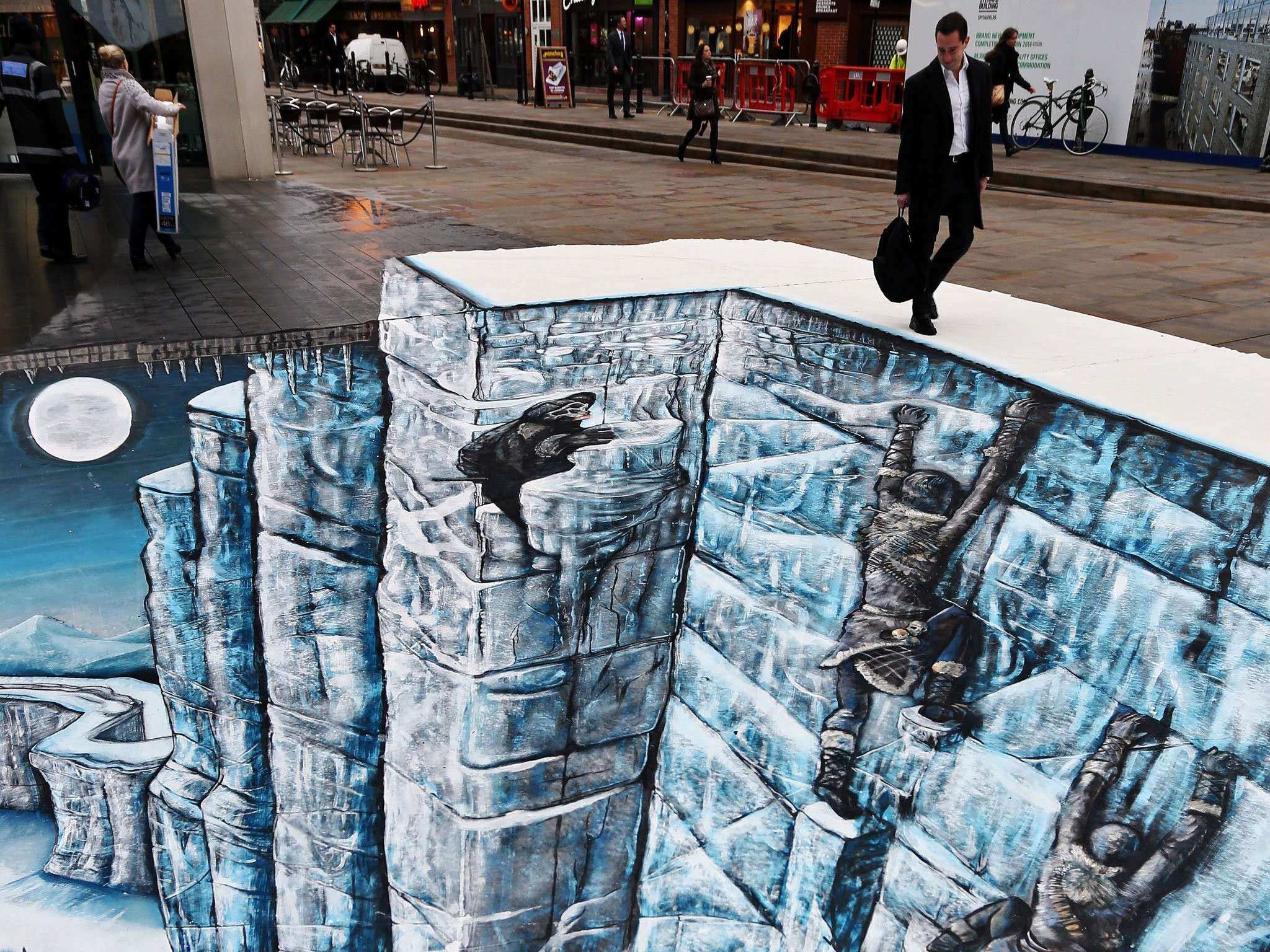 Game of Thrones Wall recreated as 3D street art