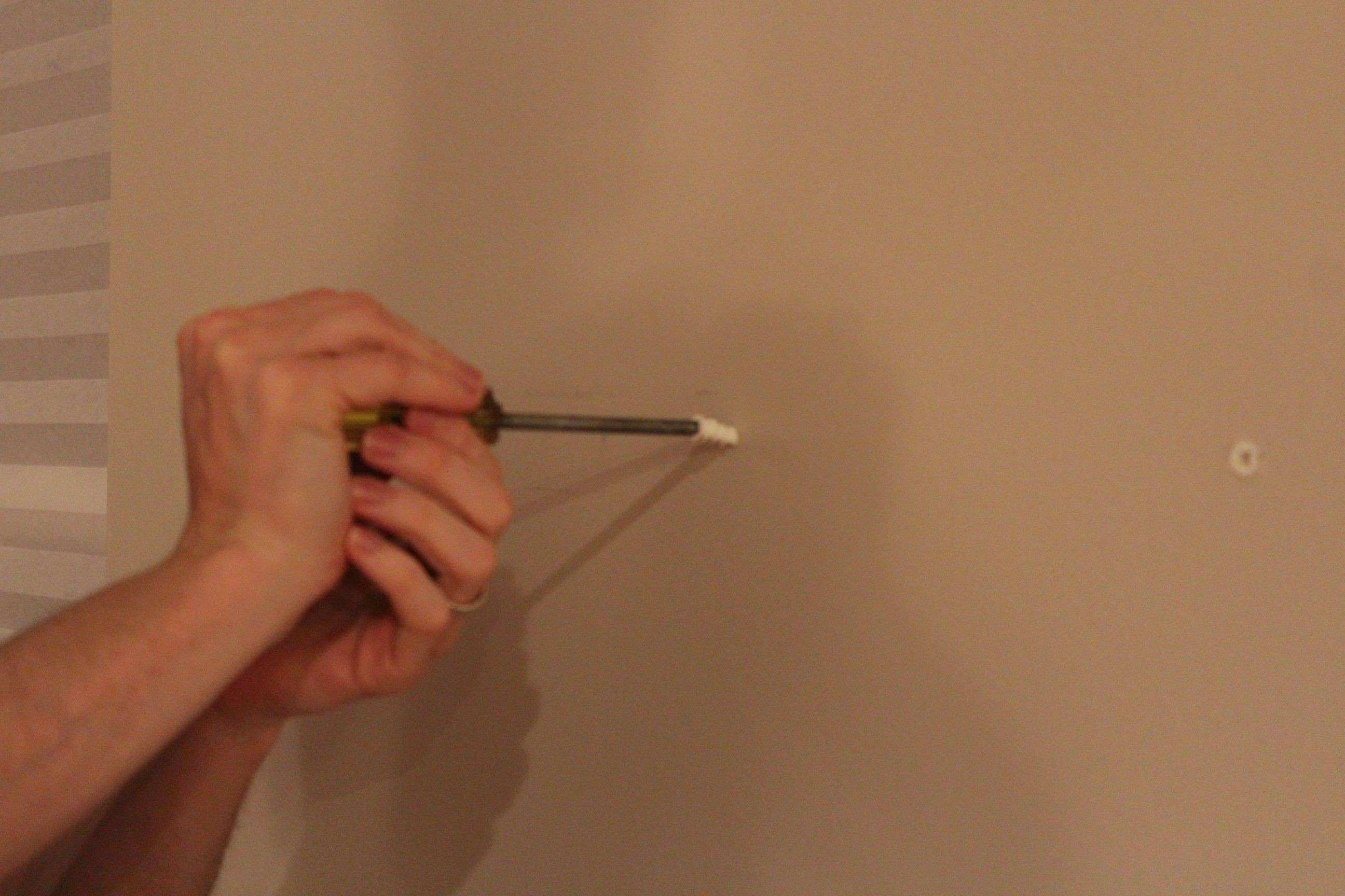 Fascinating How To Hang Plaster Walls Steps With Rhwikihow Pics