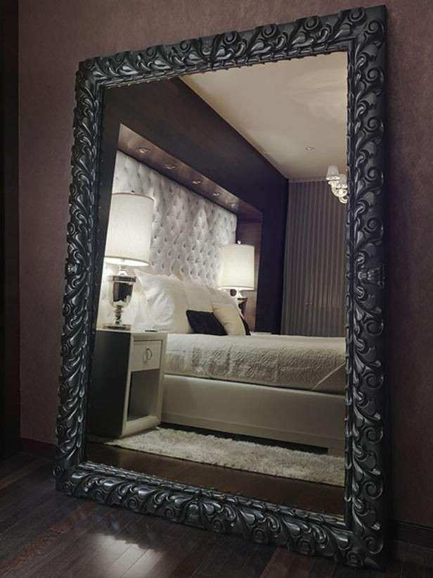 Decorating Bedroom With Mirrors