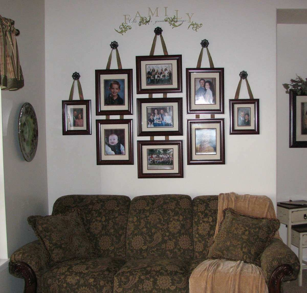 Inspiring Wall Decorating Ideas s Family House