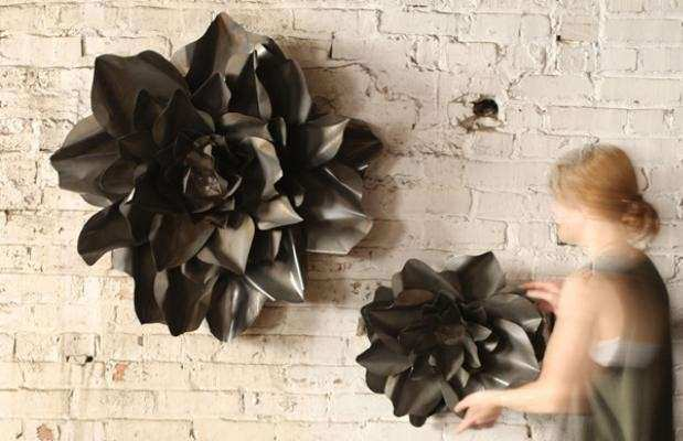 Metal Flower Wall Hangings raw finish set of 2 CQ6129