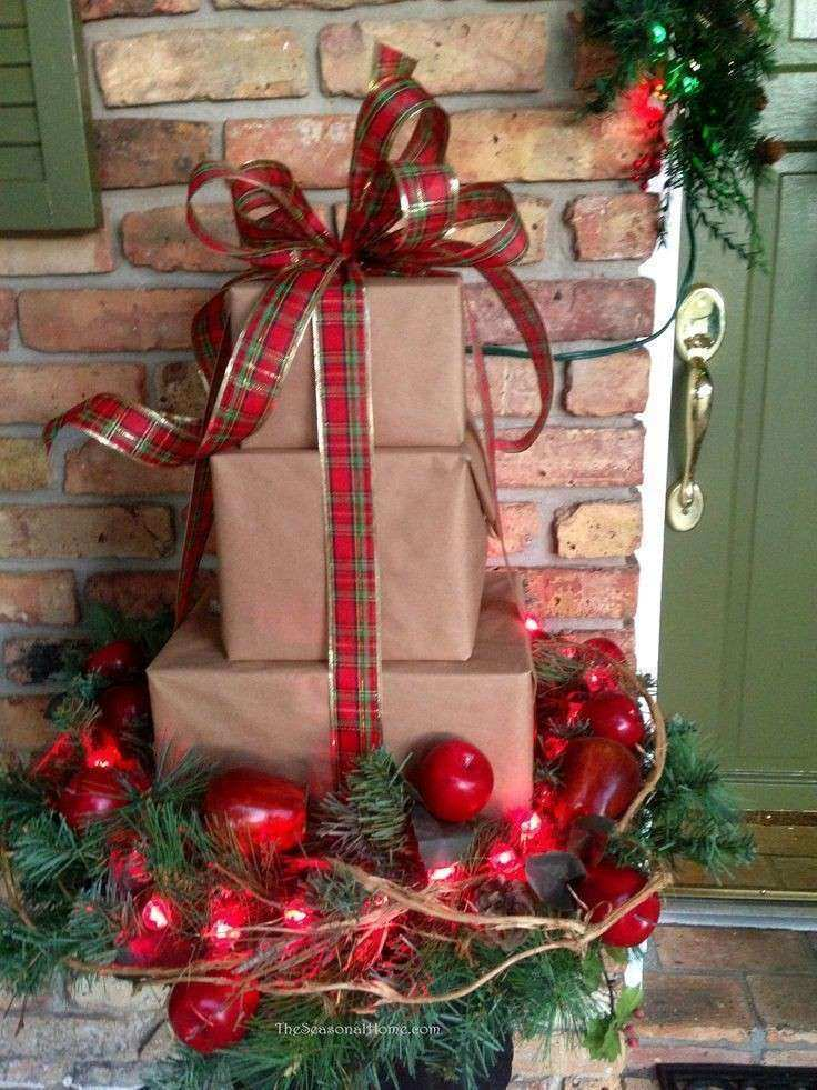 outdoor christmas wall decorations awesome christmas decorating ideas for the front porch great idea - Outdoor Christmas Decorating Ideas Front Porch