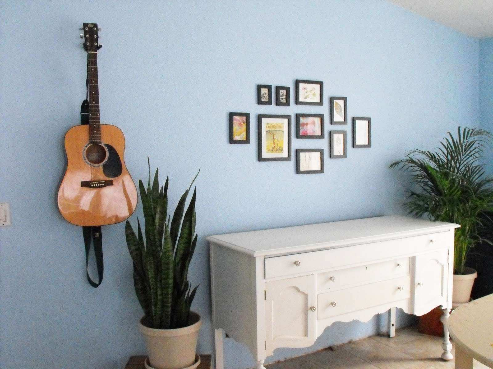 17 Hanging on Wall Ideas and How to Hang