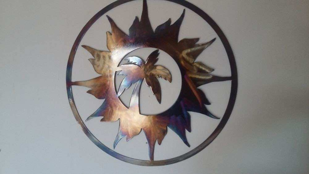 Palm Tree and Sun Round Metal Art Wall Decor