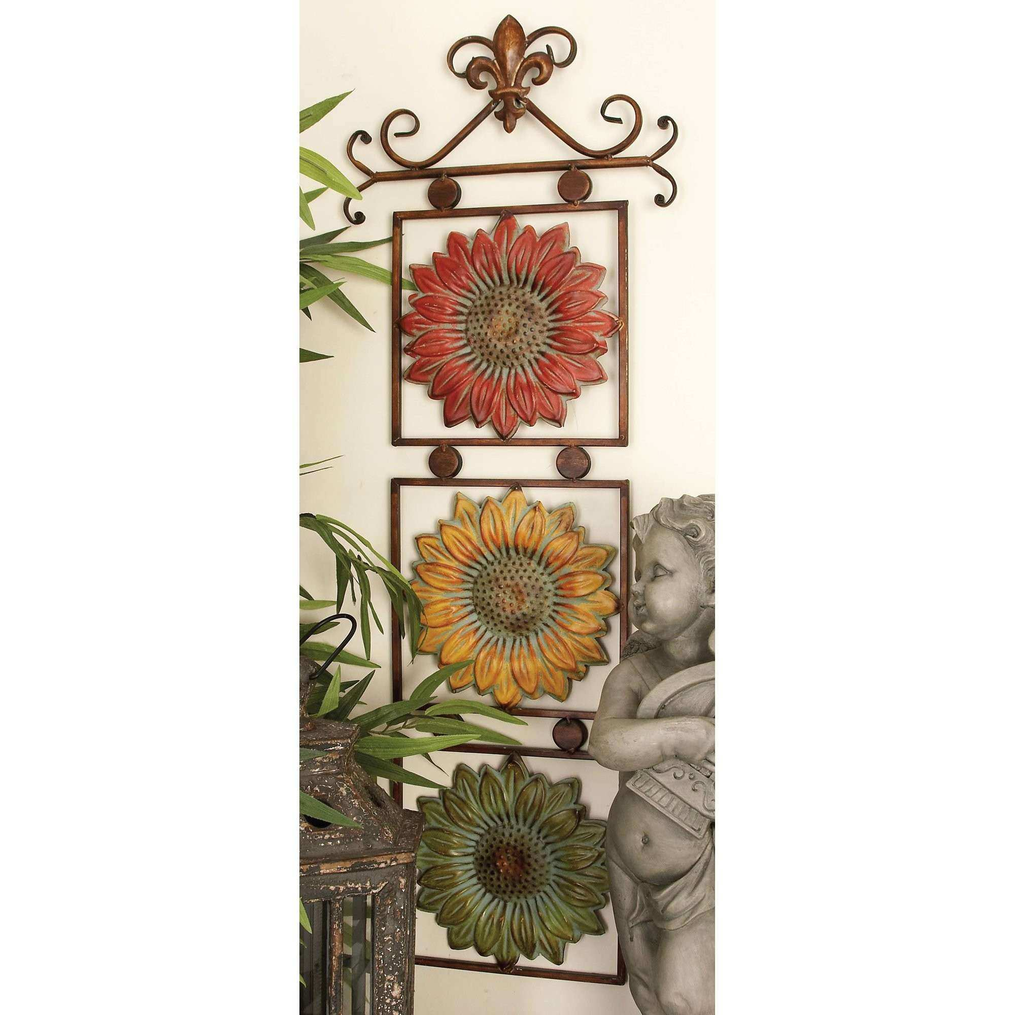 Cole & Grey Metal Sunflower Wall Décor