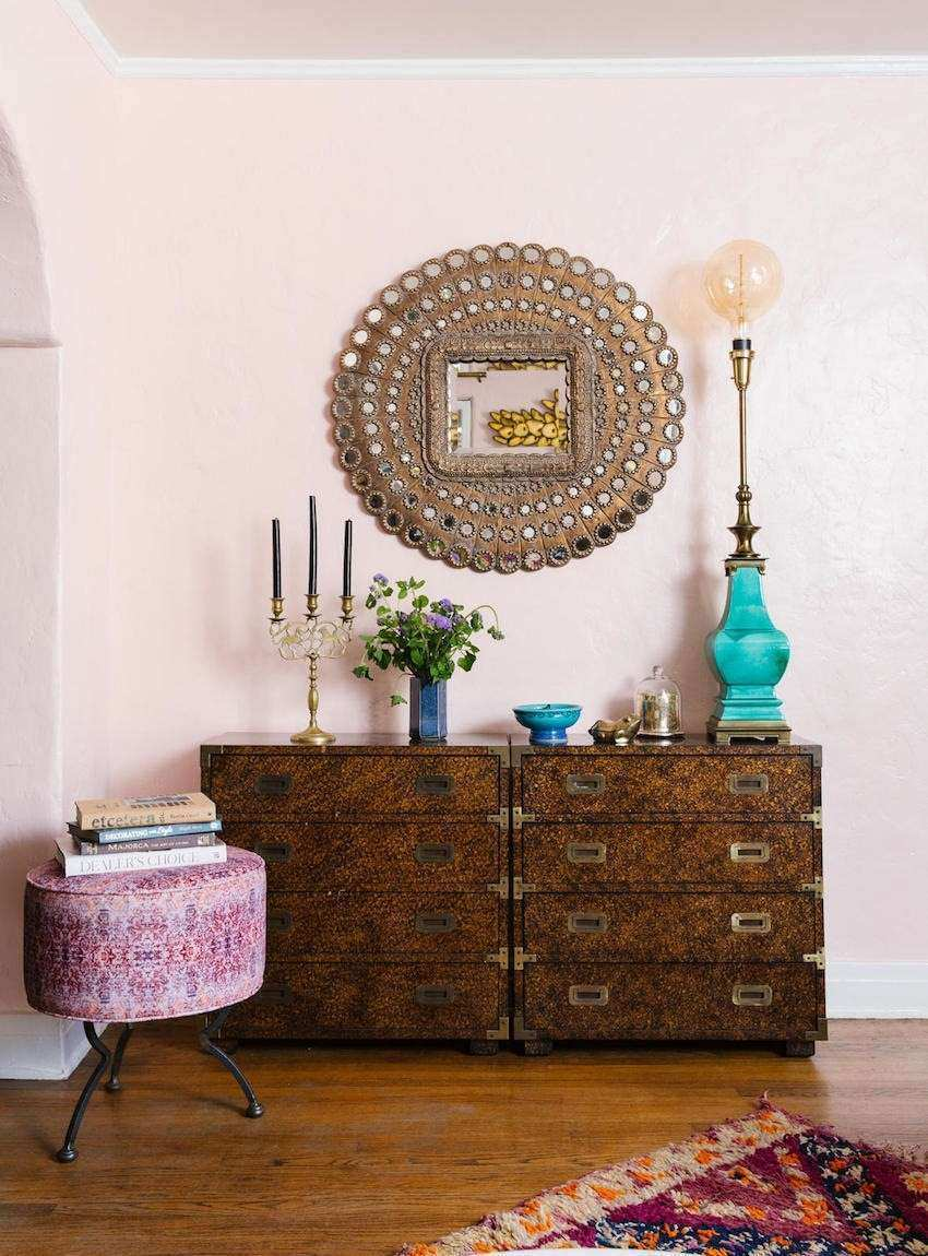 5 Unique Wall Mirrors to Glam Up Your Home Décor