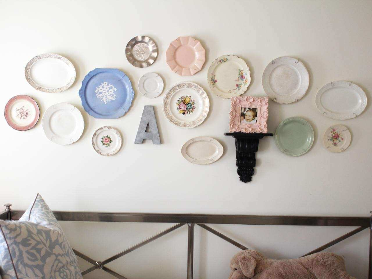 Wall Plate Decor Fresh 25 Ways to Dress Up Blank Walls