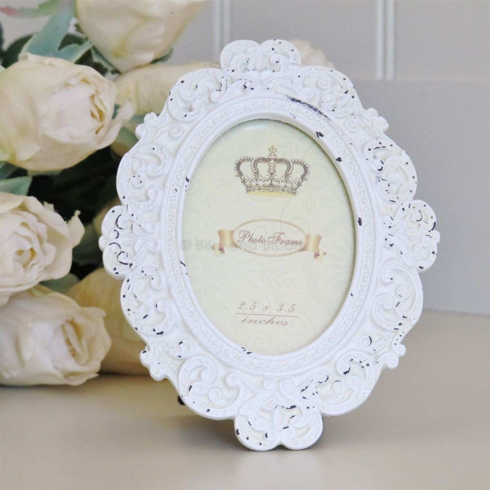 Cream oval vintage style picture photo frame from blissandbloom