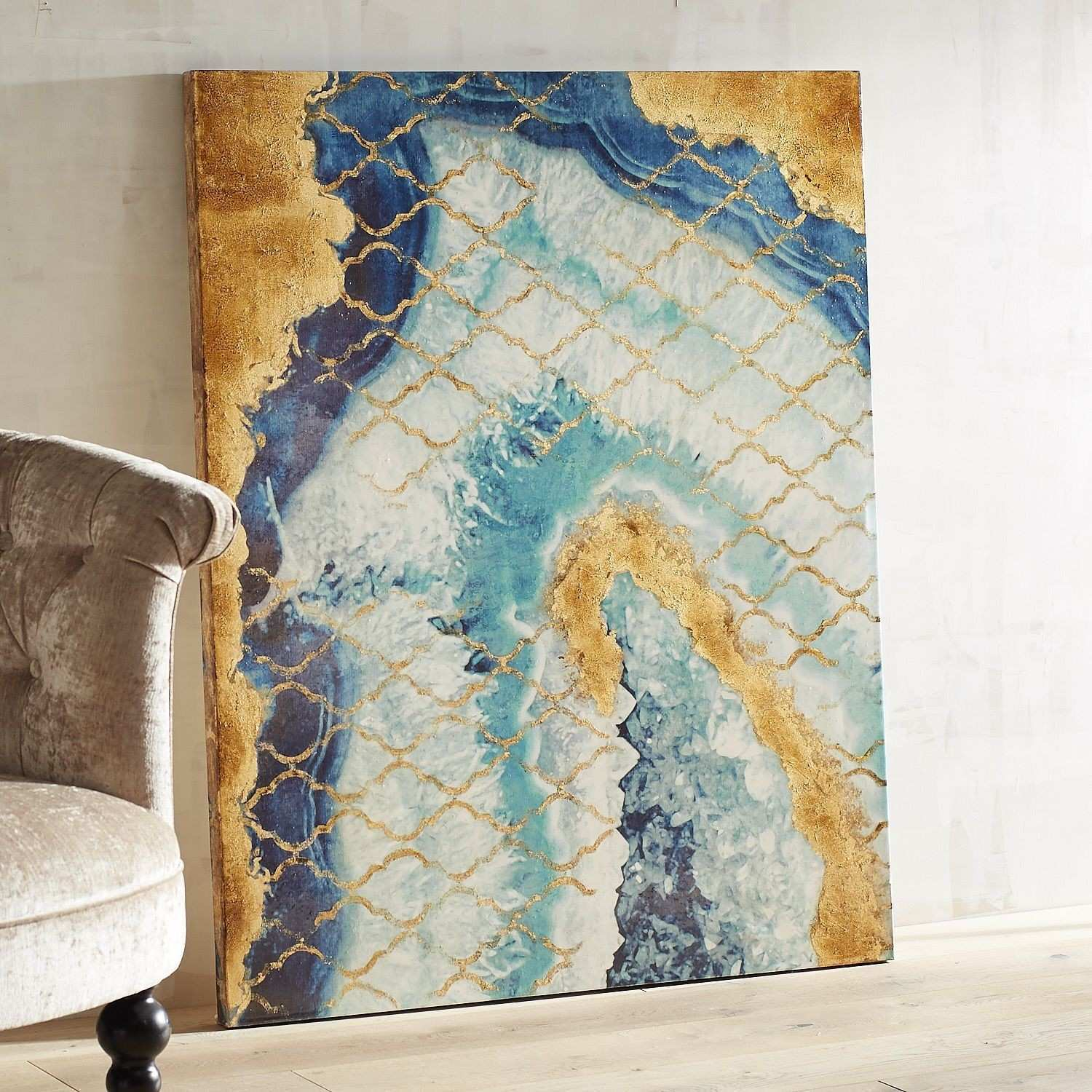 ly nature could inspire the dynamic blending of color pattern and