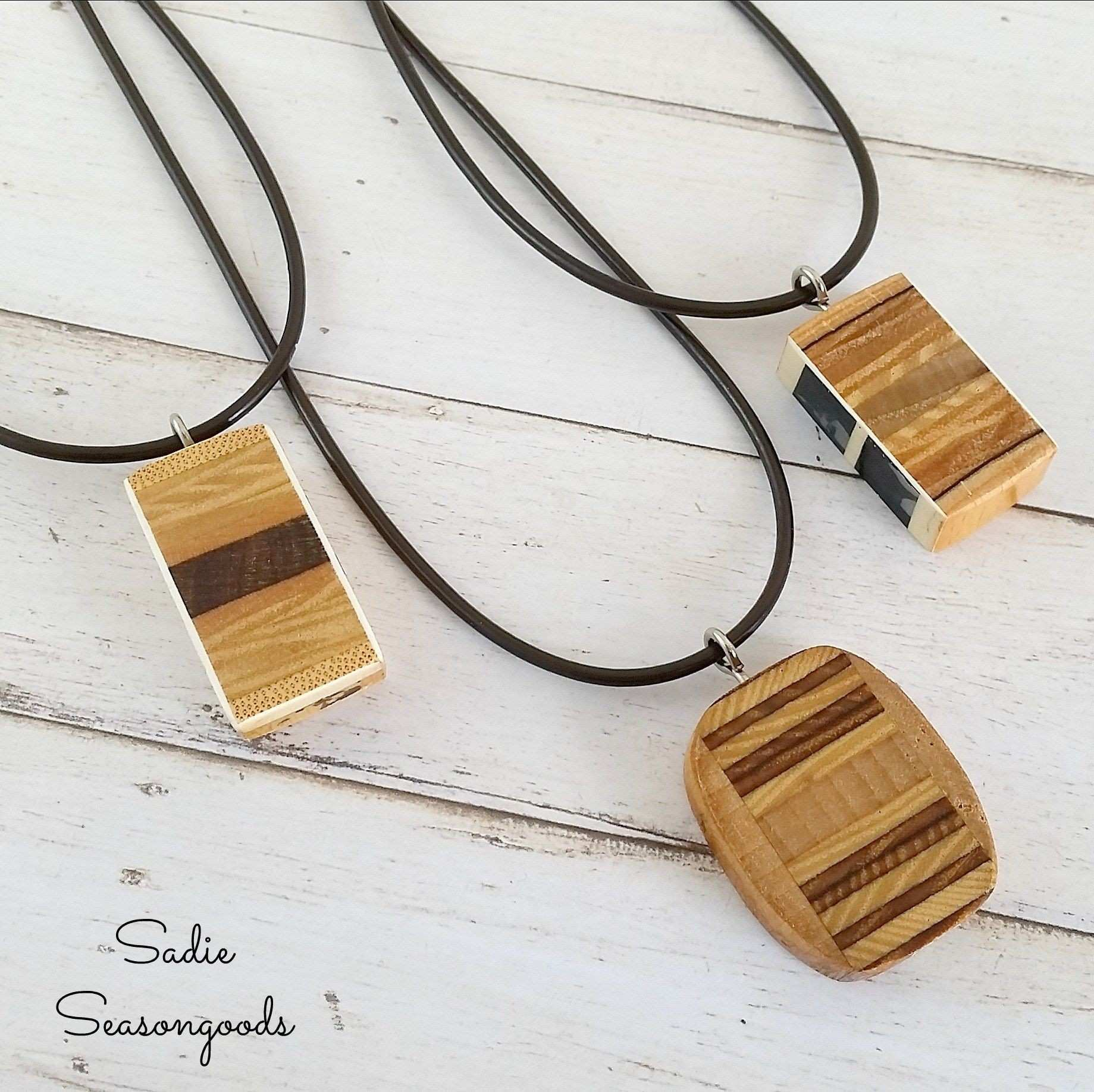 Wooden pendant necklaces from vintage wooden tennis racket handles