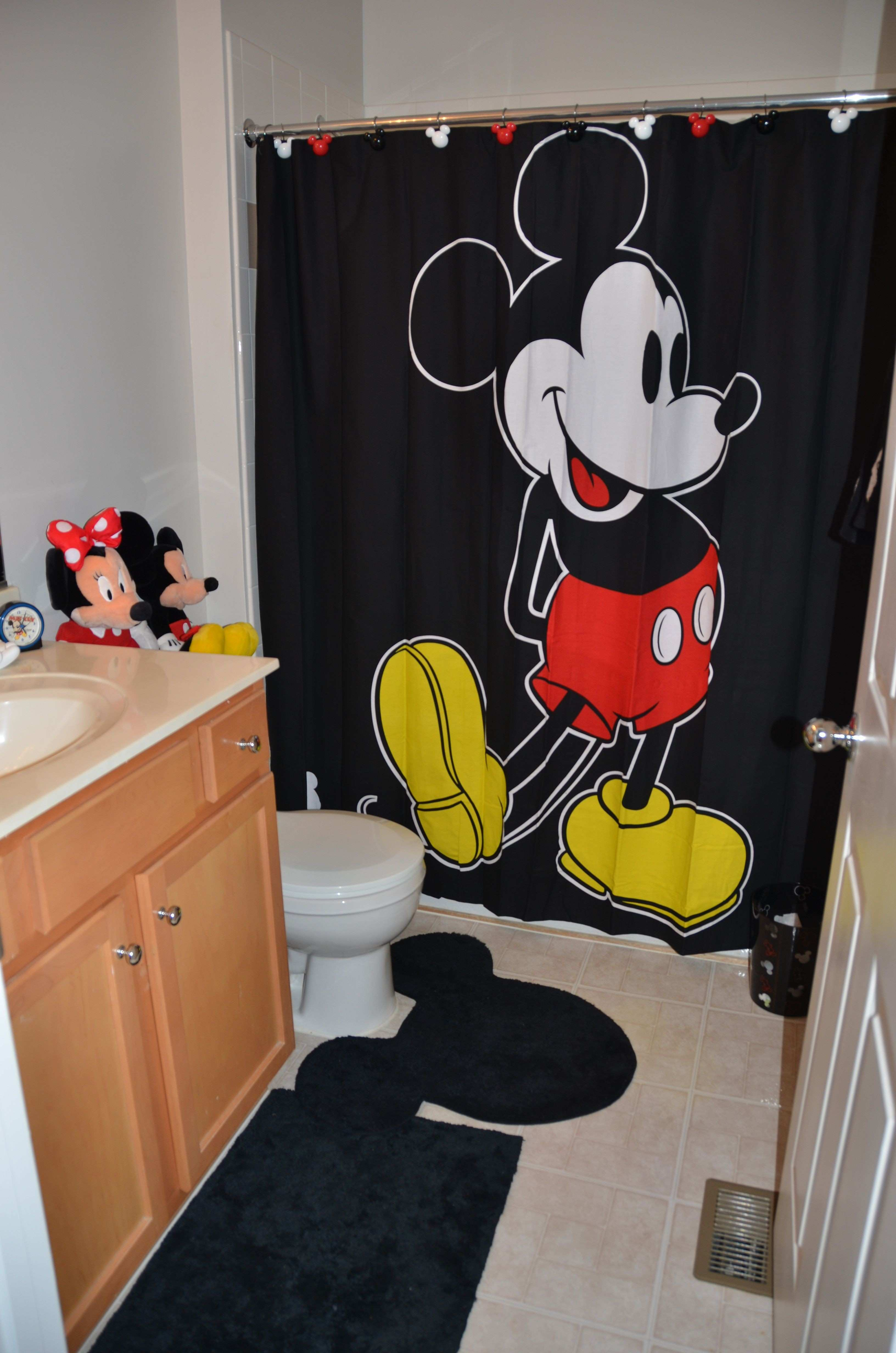 Disney bathroom I m still looking for some red white and black