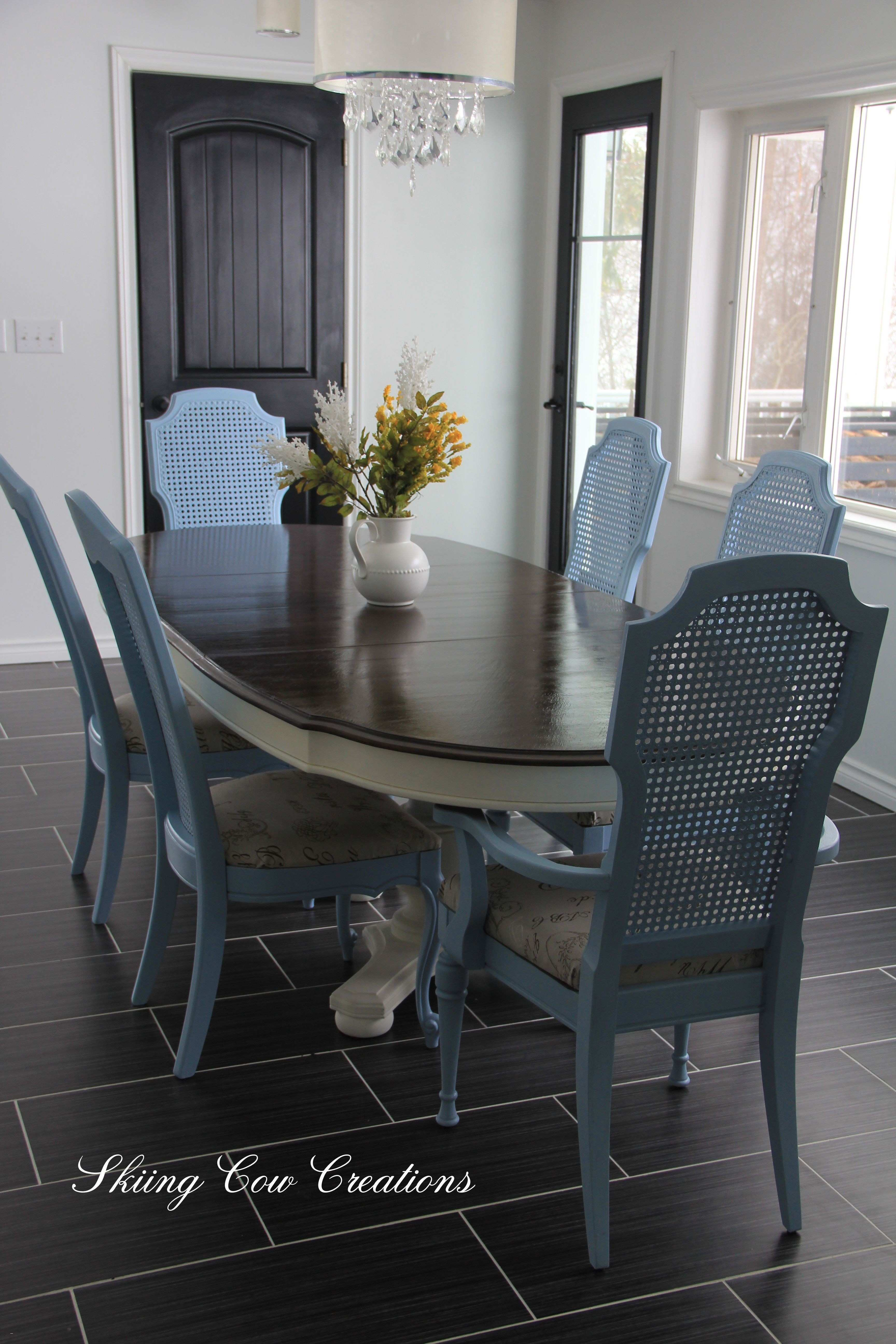 Unique 25 Dining Room Decorating Ideas with Chair Rail Scheme