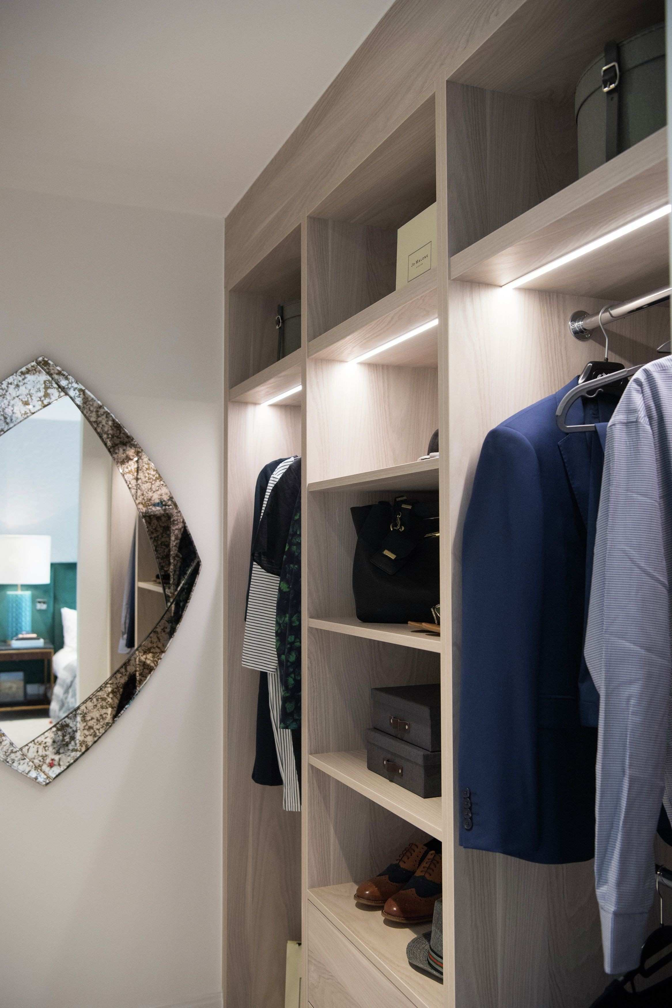 Plenty of space to organise your clothing with this open fitted