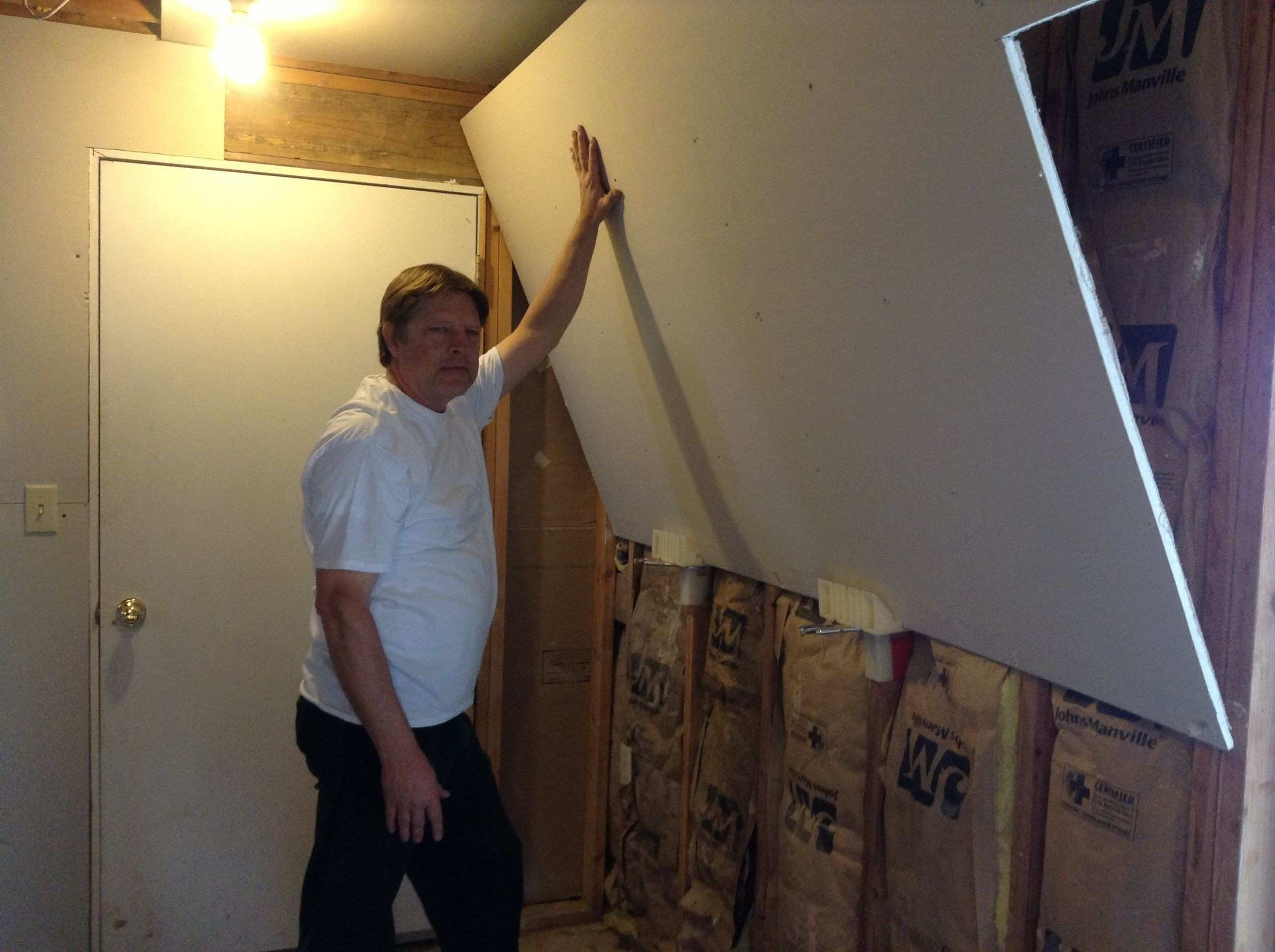 Hanging Pictures On Drywall New the Hanger S Edge Can Also Be Used On the Side Walls