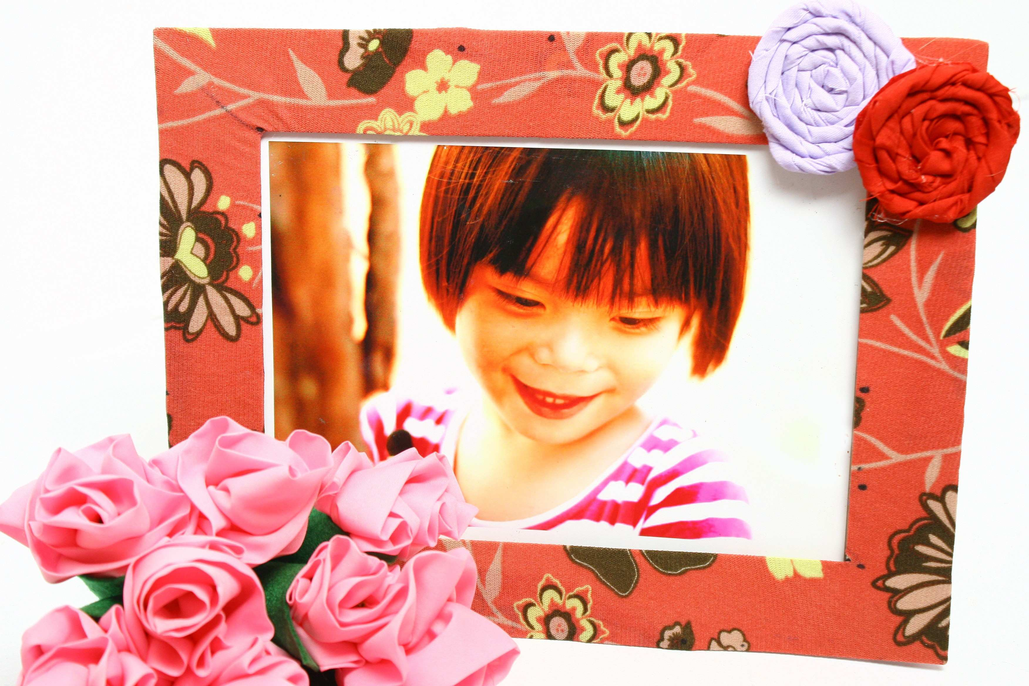 How to Make a Fabric Picture Frame with wikiHow