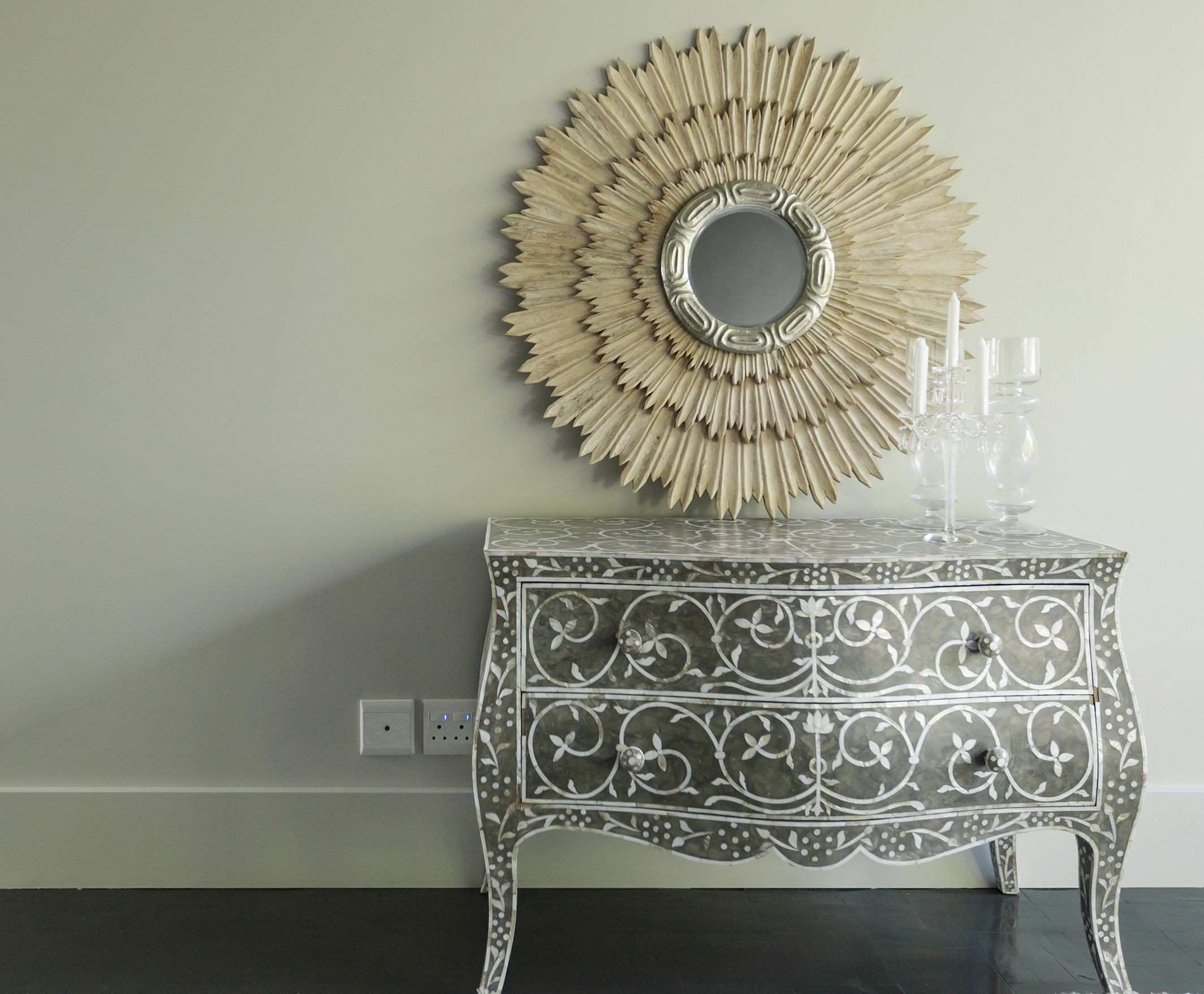 Use Feng Shui to Correct the Bad Energy of a Mirror Facing the Front