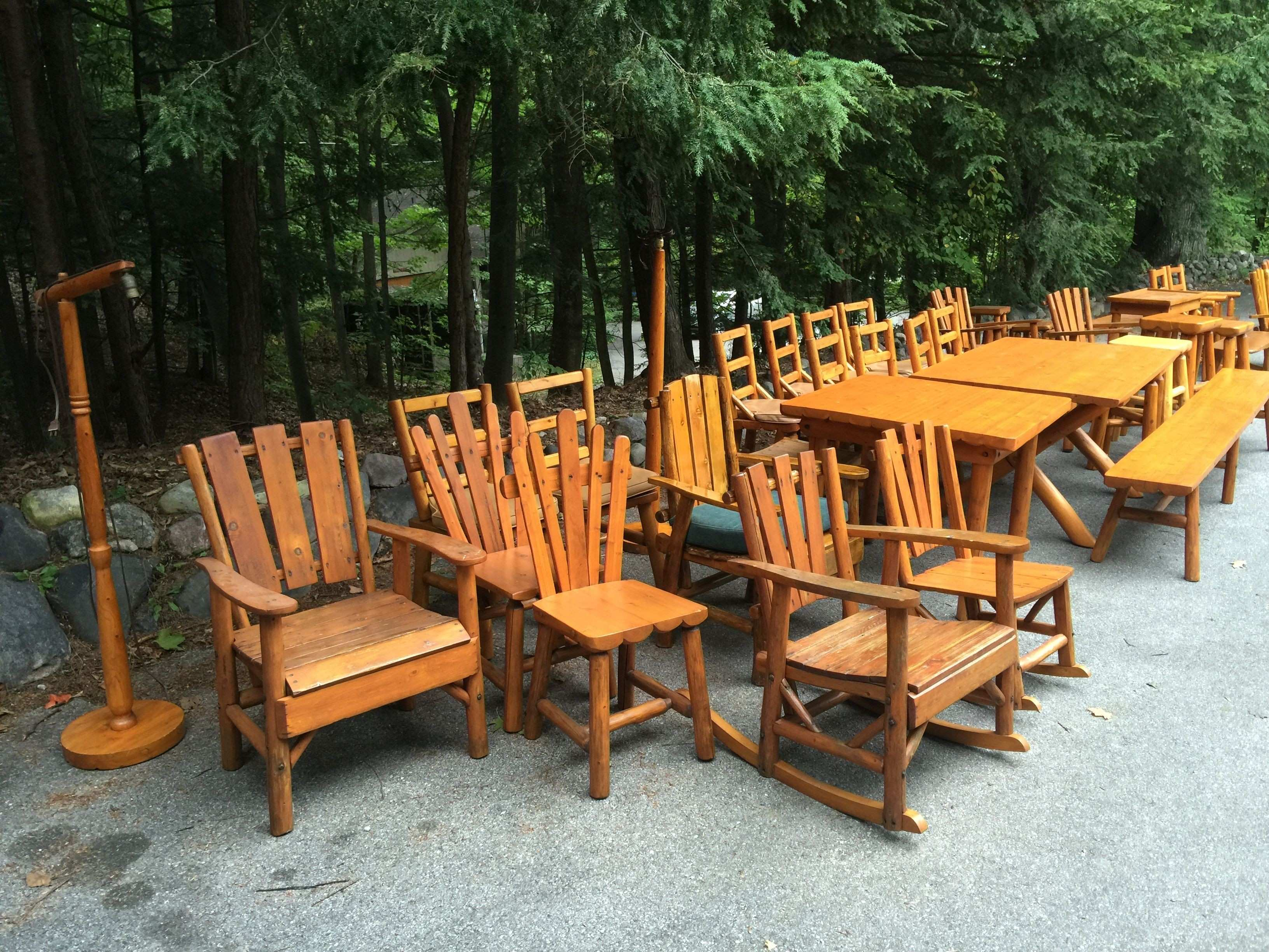 46 pcs of Rittenhouse log furniture from a northern Michigan