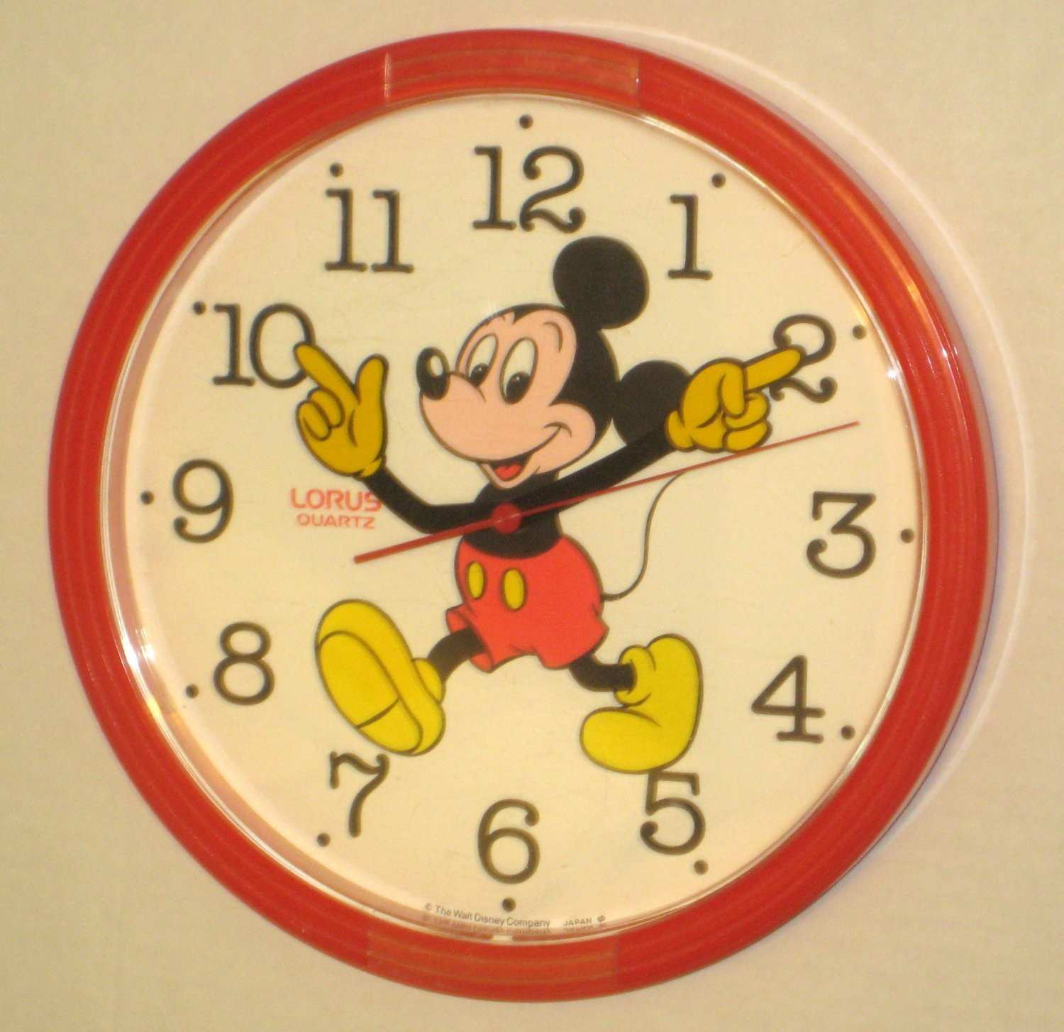 SOLD Mickey Mouse Wall Clock Lorus Quartz Moving Arms Hands Battery