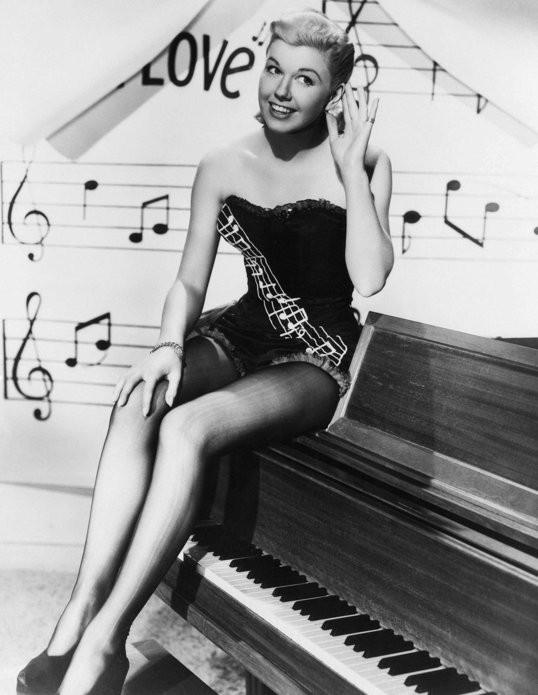 Old Black and White Photos Lovely Doris Day