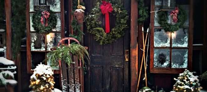 outdoor wall christmas decorations beautiful from screened porch to christmas country cabin i hung 2 old windows