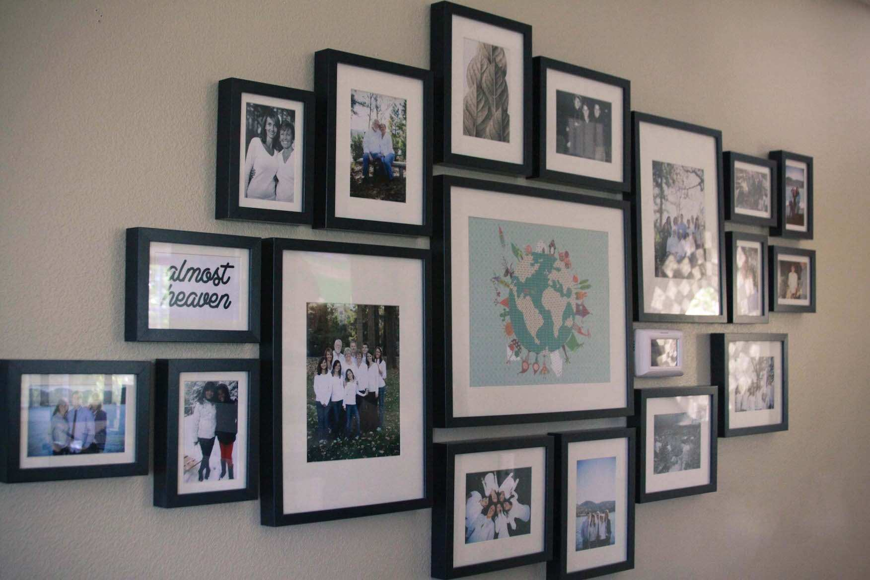 Picture Frame Designs On Walls Fresh 30 Family Picture Frame Wall Ideas