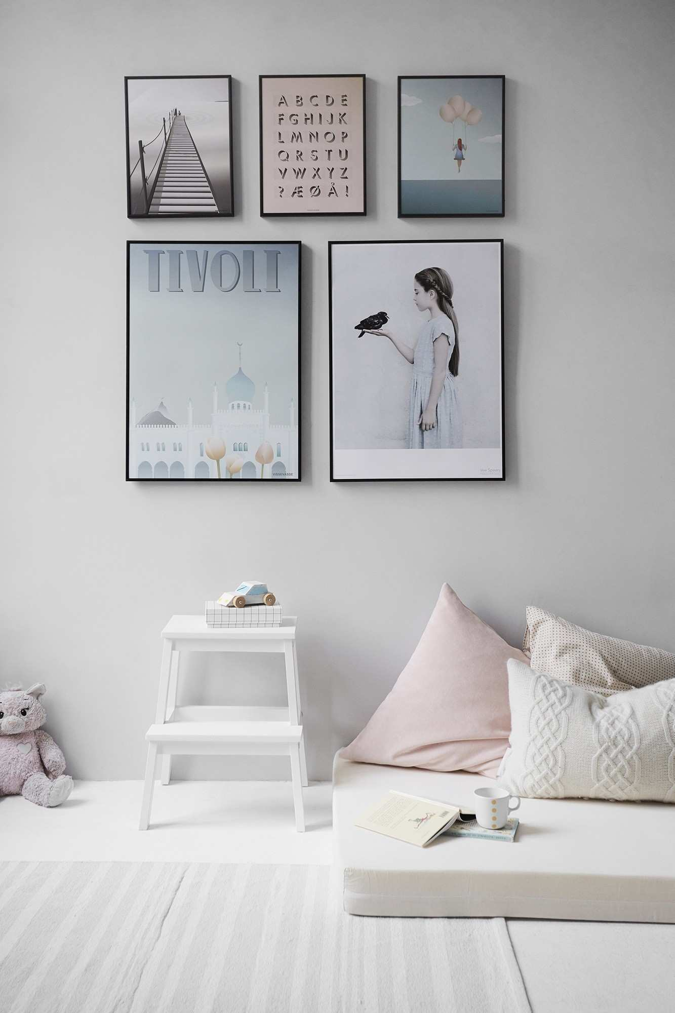Bedroom Picture Gallery Wall