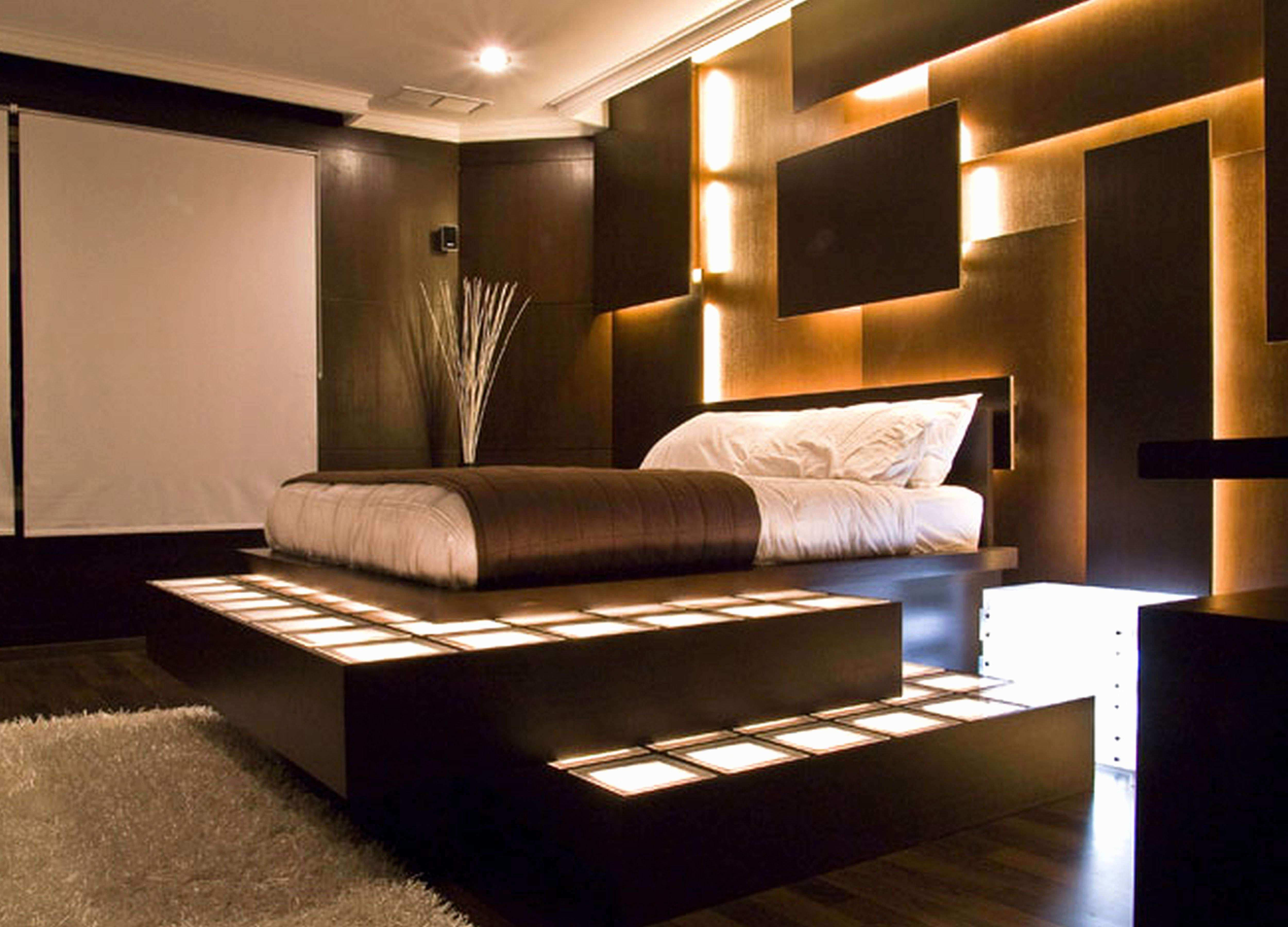 44 Awesome Wall Decorating Ideas for Living Room Gallery