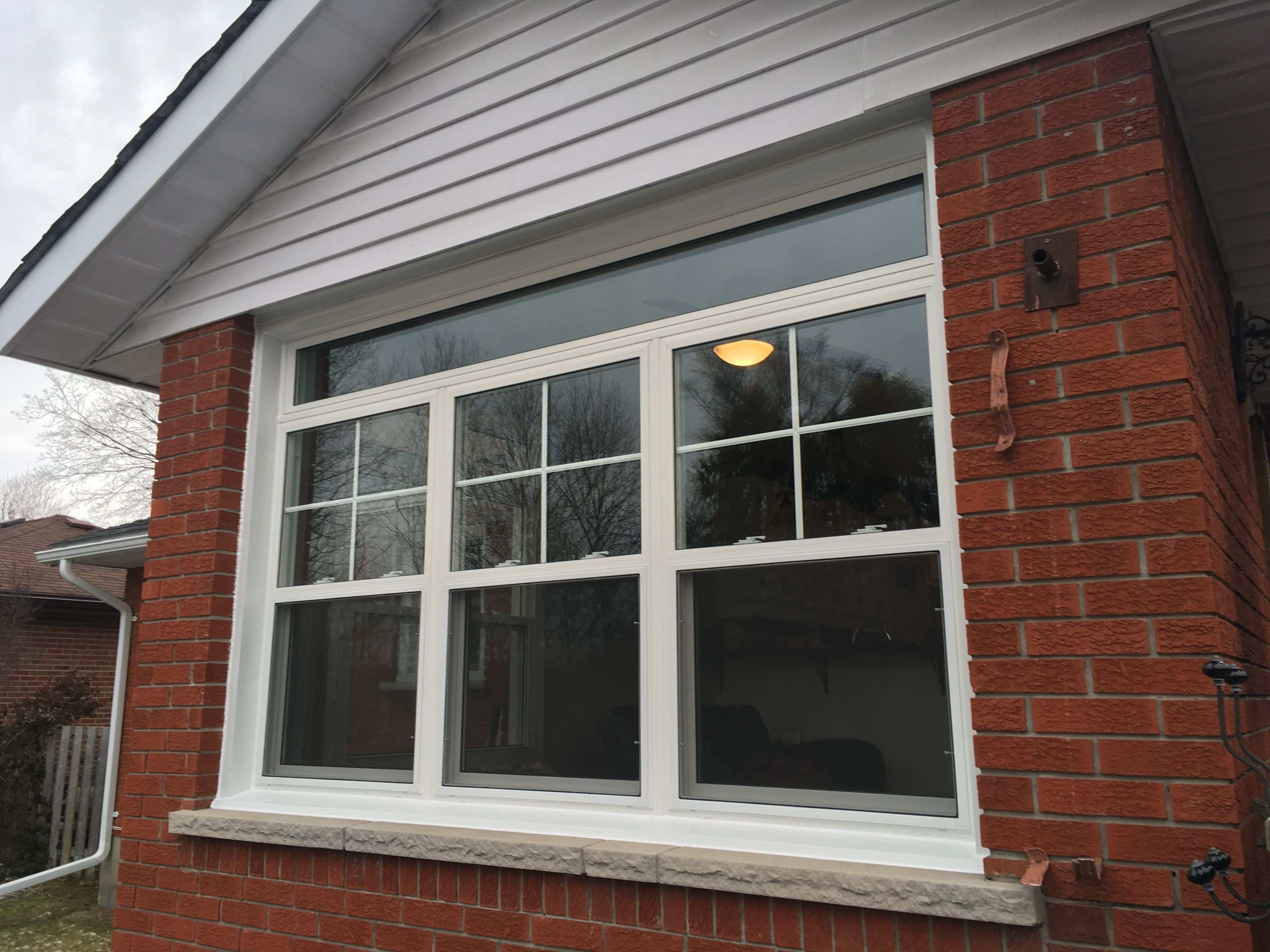 Double Hung Windows w Transom Windows