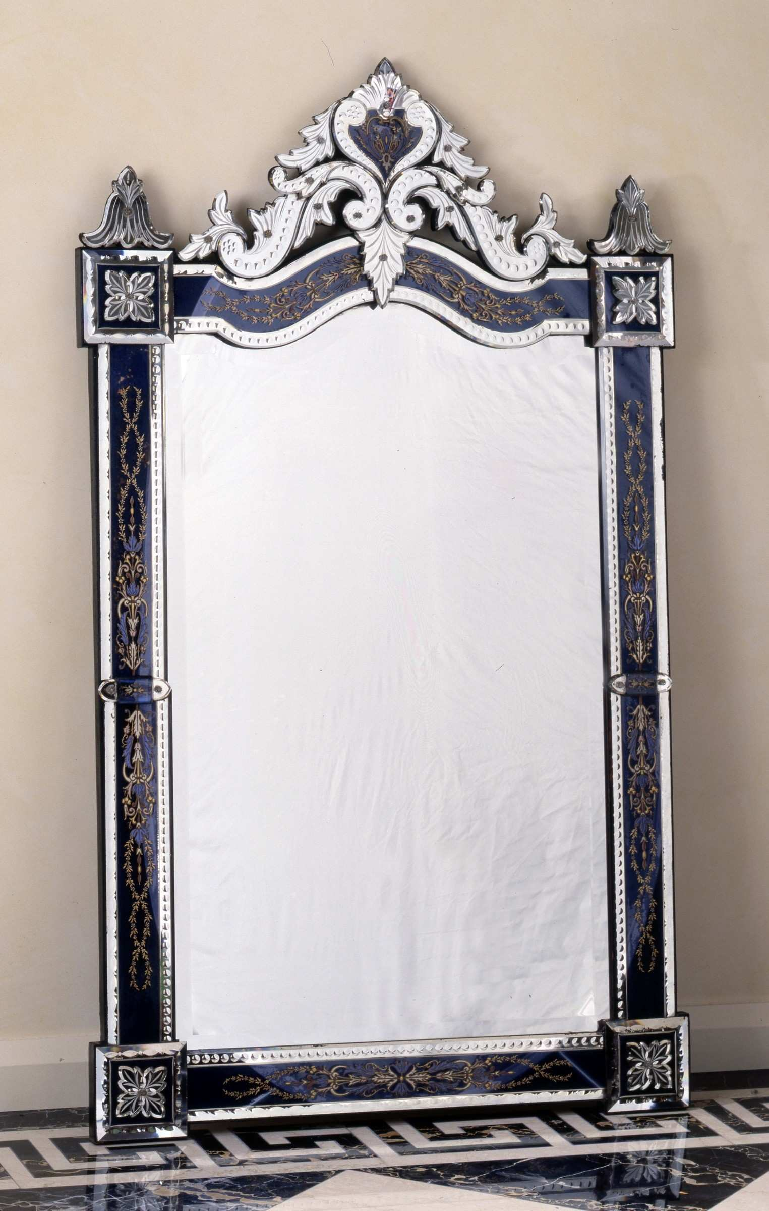 Murano A 19th century Murano Venetian wall mirror of rectangular