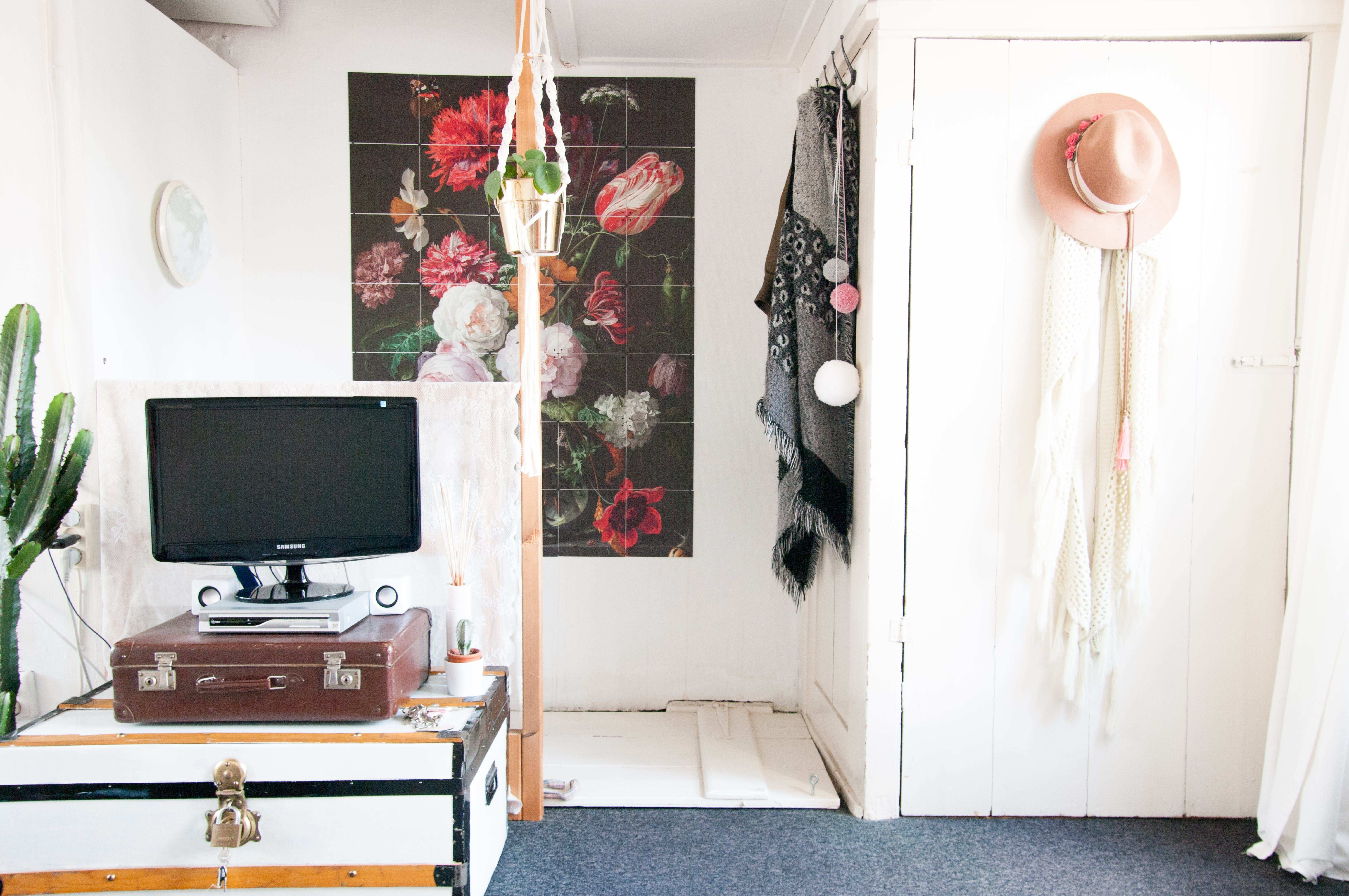 Two Roommates a Small Stylish Dutch Apartment