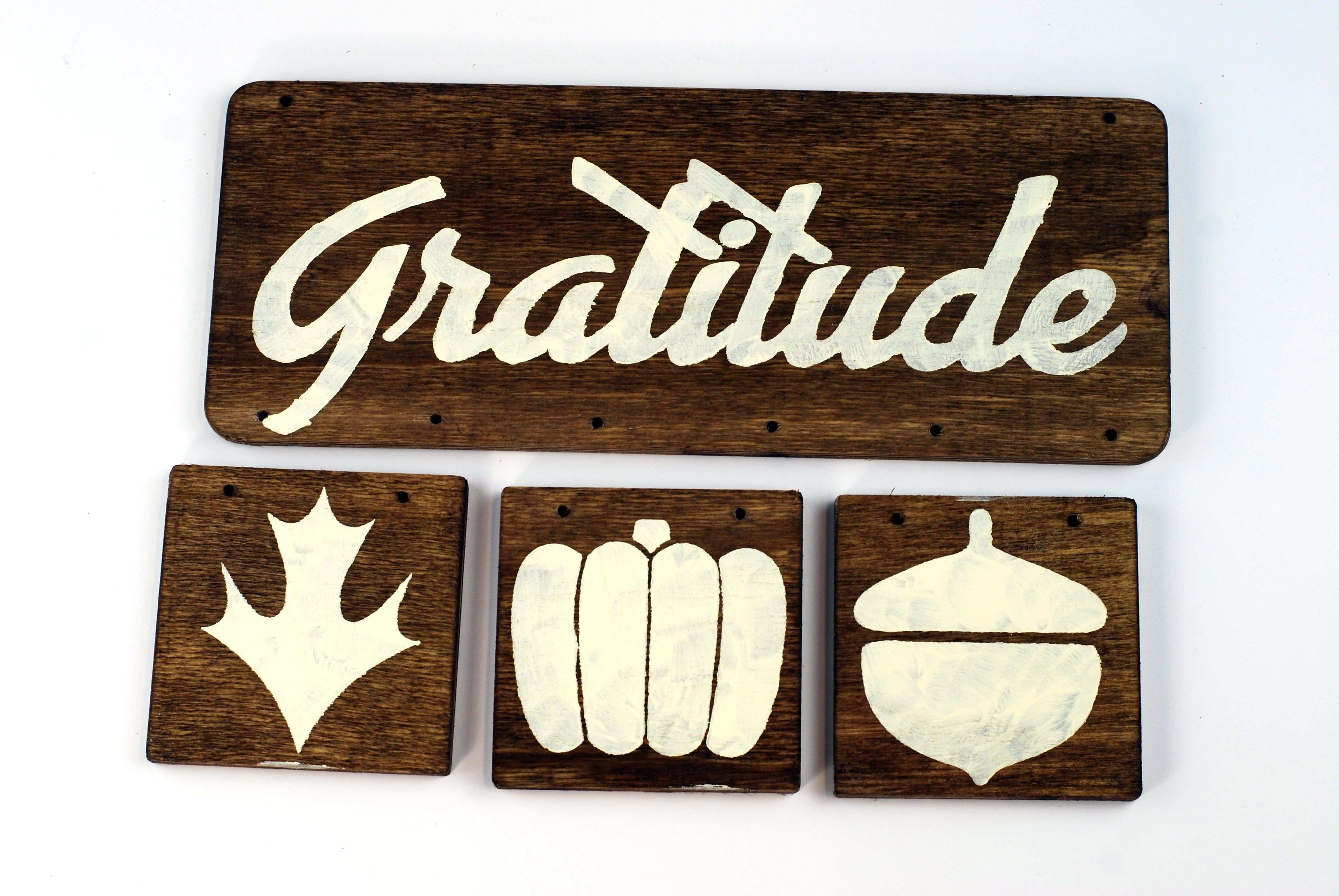 DIY Reclaimed Wood Sign for Thanksgiving