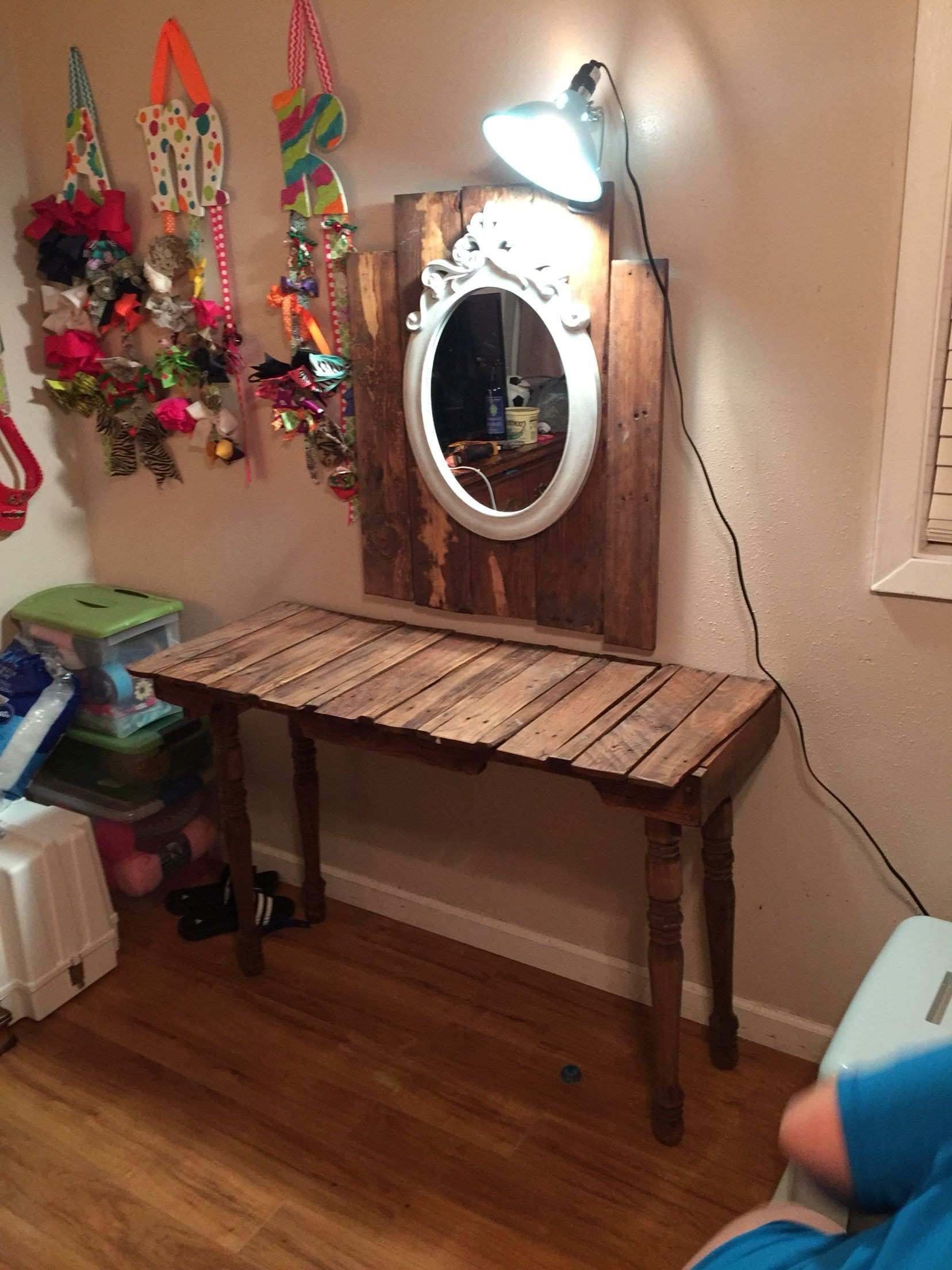 Vanity made out of pallets DIY crafts by KK Pinterest