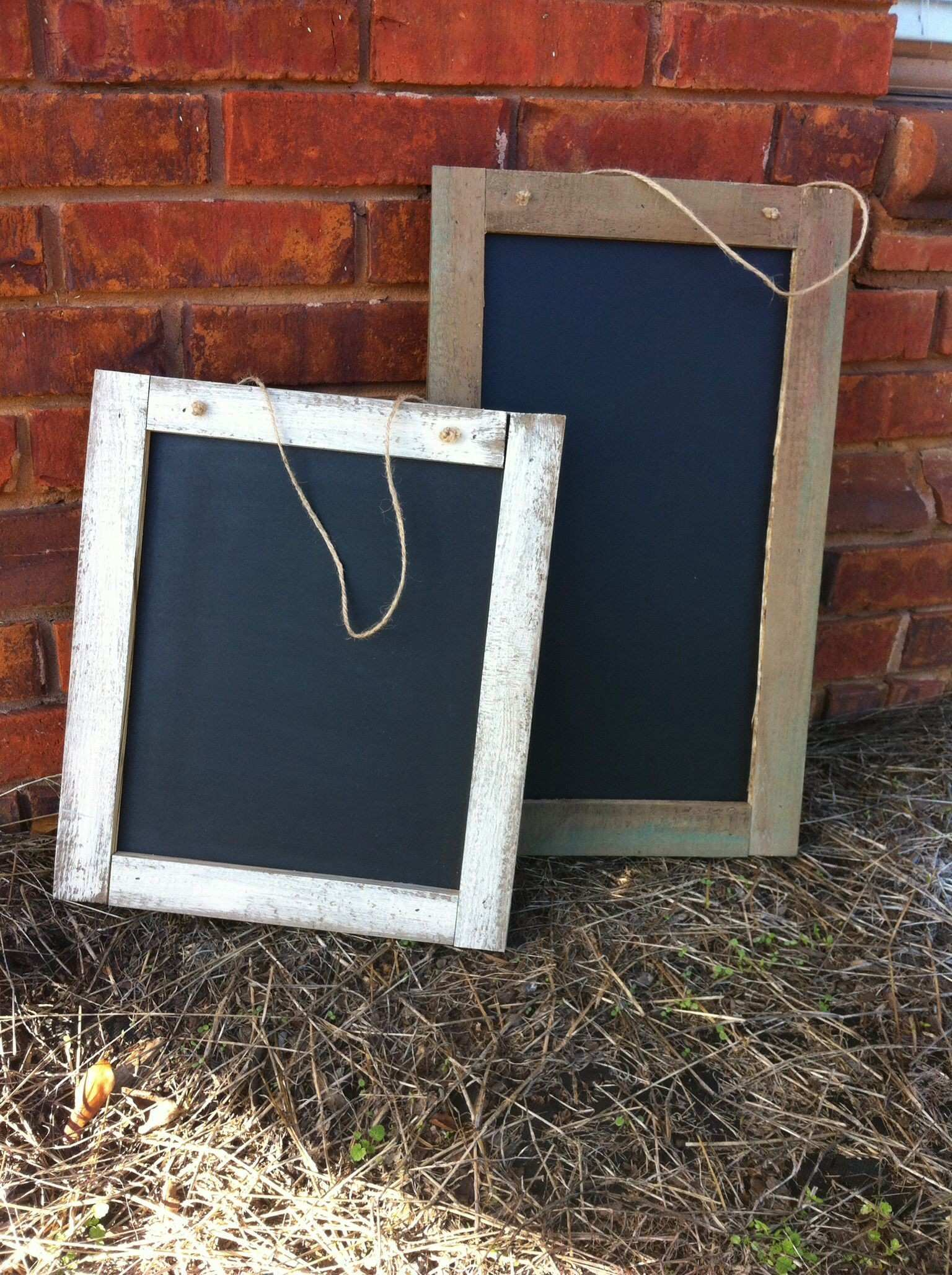 Chalk boards made from pallet wood
